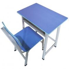 彩色课桌椅